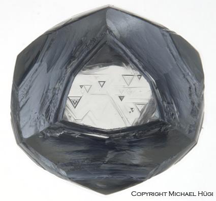 Cristal de diamant presence de trigons