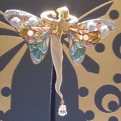 Foire de Basel 2014 Horlogerie et joaillerie pierres precieuses perles et diamants BusBy Jewelry