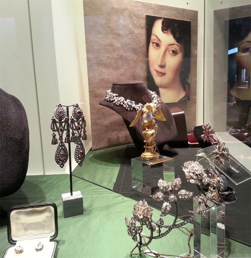 Foire de Basel 2014 Horlogerie et joaillerie chez Ernst Färber BusBy Jewelry
