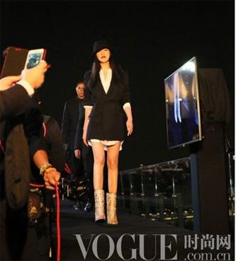 La paire de bottes la plus chère du monde et Yi Zhou BusBy Jewelry