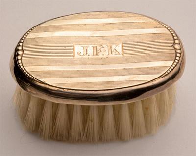 La brosse à cheveux de JFK