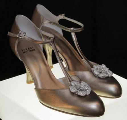 retro rose  vs Stuart Weitzman BusBy Jewelry
