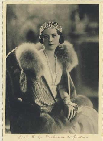 La Princesse Lydia d'Arenberg, duchesse de Gênes BusBy Jewelry