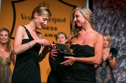 Prix femme d'Affaires Veuve Clicquot Bea Petri et BusBy Jewelry  M. Blin de Grandpre